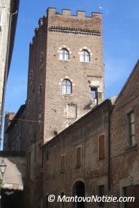 Casa torre via Bonacolsi Mantova