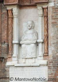 Mantova Palazzo del Podestà Edicola Virgilio in Cattedra