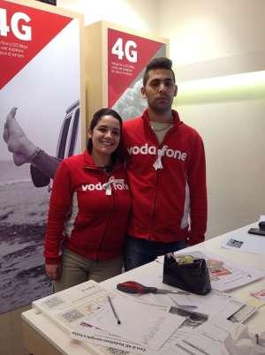 Operatori Vodafone centro commerciale La Favorita Mantova