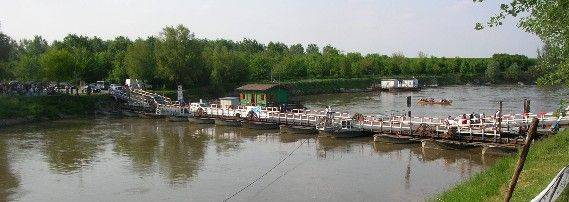 Ponte di barche di Torre d'Oglio