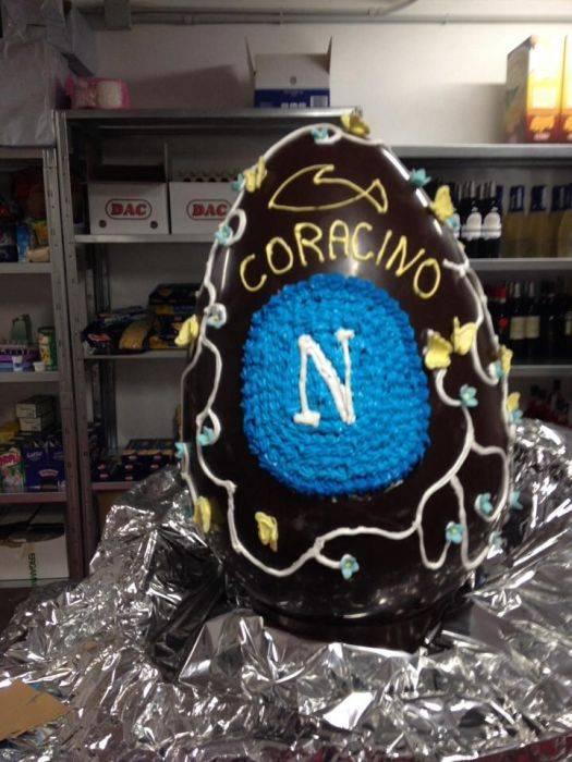 Uovo Pasqua Coracino Mantova (Napoli Take Away)